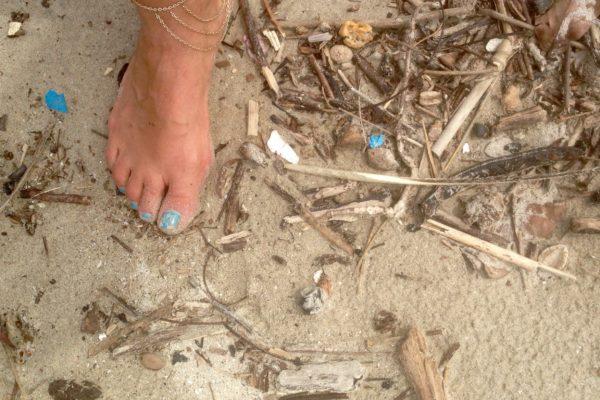 trash beach cleanup